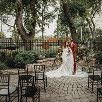 Bonnycastle Garden Wedding (Photographer: Black & Gold Photography)